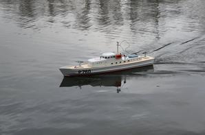 La vedette de surveillance cotiere P760 pour sa premiere mise à l'eau.