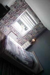 le temps n etant pas terrible on attaques la deco de notre chambre!!!!!!!