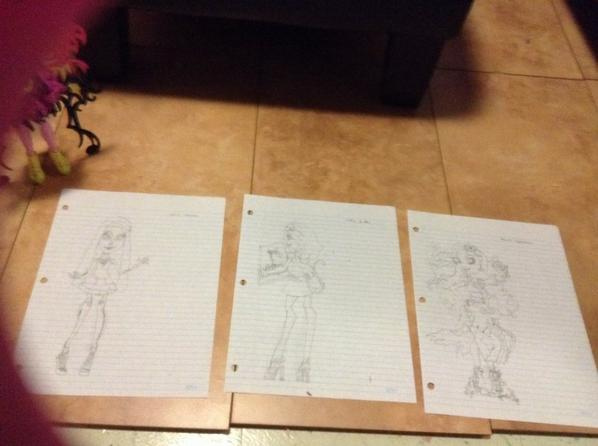 Dessins monster high Skelita/Catrine/Amanita