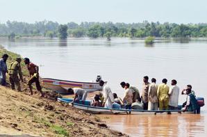 Pakistan Floods - Death and Destruction Everywhere