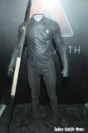 Sur le tournage d'After Earth + En exclusivité, découvrez la tenue complète de Jaden !