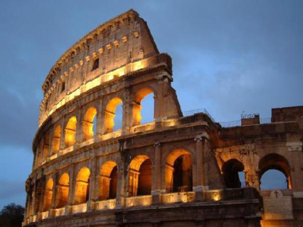 Dans 7h05 je serais dans le car pour partir en Italie 25h de route jusque la bas !! Arriver la bas on marche jusqu'au soir a florence ( mes pieds !!)