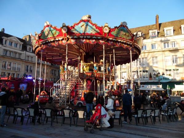 Grande Roue et Manège  du marché de Noël de  Beauvais