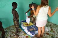 Distribution de linge et remerciement Sénégal octobre 2013