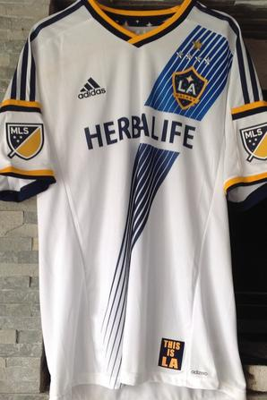 À VENDRE maillot de foot de LOS ANGELES GALAXY (porté N°8 GERRARD)