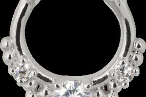 NOUVEAUX SEPTUM Sur le site http://www.dyancopiercinglyon.fr/#!piercing-nez/cv35