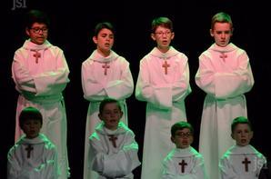 Les petits chanteurs à la croix de bois étaient au théâtre (1/2)