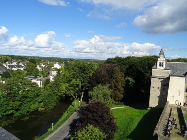 vue du donjon du chateau de chateaubriant