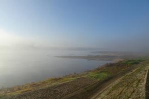 la loire dans le brouillard ce matin