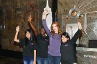Eclairage Empire State Building pour la Journée de la jeune fille (suite)
