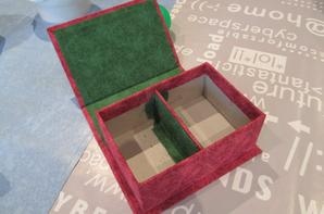 boîte à chocolats  15 cm sur 10 cm h 7 cm