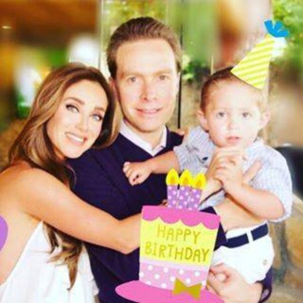 Jour des 1 ans de mon bébé angelo le 28 décembre et aussi le matin de noël