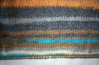 voici le pull que je tricote pour mon petit fils et les étoiles que je je bricole déjà pour Noel et ma fiat doblo < souriez la vie est belle non ?