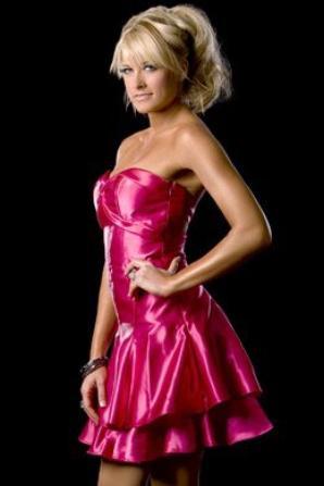 Voici : Kelly Kelly La Divas