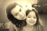 Moi dans ma tristesse comme dans ma joie avec ma petite soeur <3