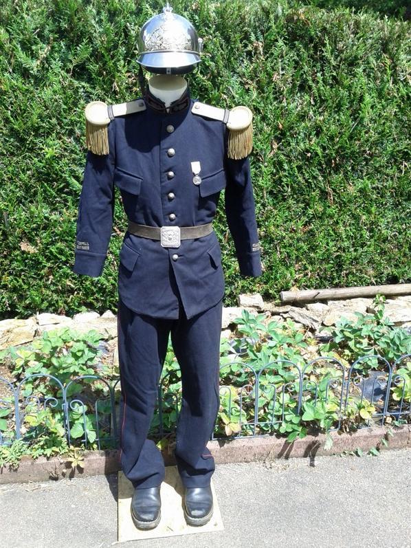 tenue officier de Besancon 1885