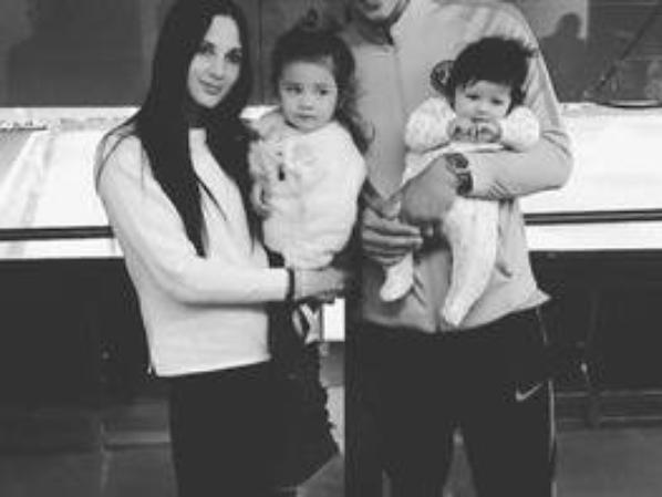 Alphonse Aréola et sa petite famille