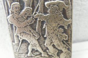 briquet de poilu cape et épée