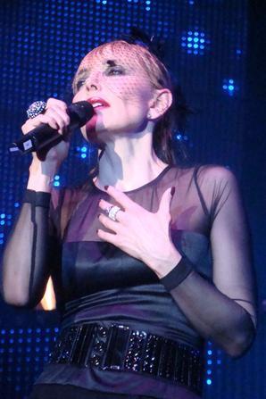 LA VIDEO-LIVE (inédite) DU MOIS (n°24) - JEANNE MAS - JOHNNY, JOHNNY  (Live 2010)