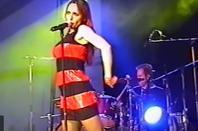 01 octobre 2007 - 01 octobre 2017 Le blog JEANNEMASENVRAI fête son 10ème anniversaire- La vidéo-live du jour... - JEANNE MAS - Paul et le paradis (Live 2002)