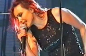 01 octobre 2007 - 01 octobre 2017 Le blog JEANNEMASENVRAI fête son 10ème anniversaire- La vidéo-live du jour... - JEANNE MAS - DANS LE VIDE (Live 2002)