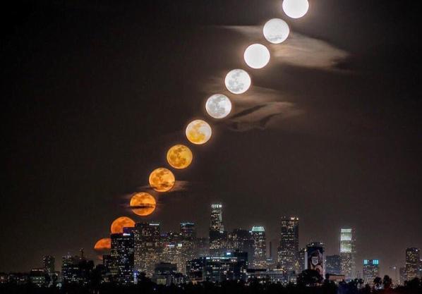 A la lumière de la lune se rencontrent