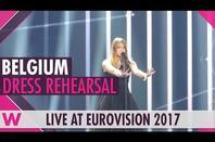 "-- "" Blanche "" -- -- Eurovision "" Année 2 017 "" --"