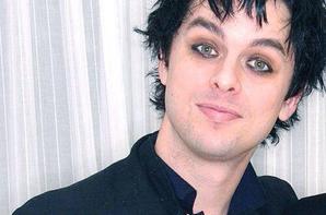 Tes yeux sont si profonds que j'y perds la mémoire Tu es si rayonnant que mon c½ur brûle de t'aimer.  Je t'aime Billie Joe<3<3