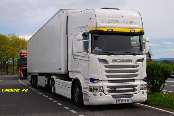 Transport Rousson. La coupure dans l'Allier. Scania R560.