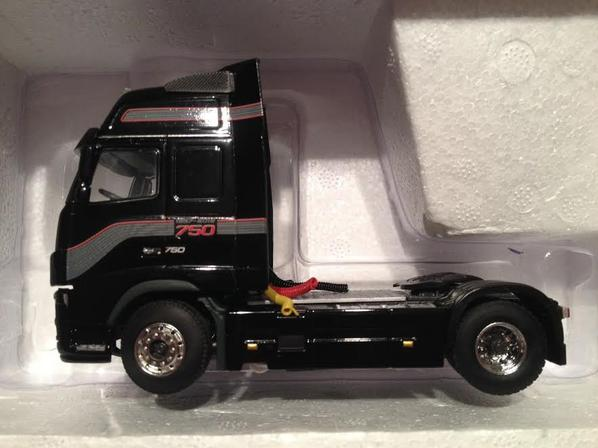 VOLVO FH16-750. By WSI. 1/50.