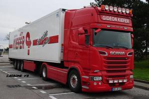 Transport Gidéon Kiefer sur les routes de la région Rhônes-Alpes.