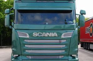Le bel Anglais. Scania 730. Made in England. Péage de Vienne le 08/05/2017.