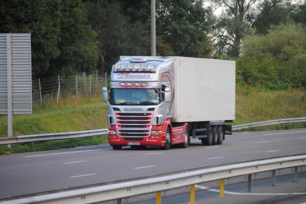 Transporteurs Irlandais sur l'A6.