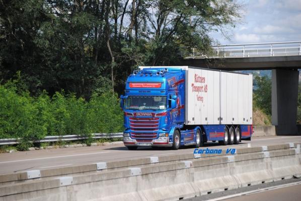 Transport Ruttners sur l'A7.