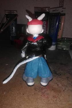 je créé la figurine d'un de mes OC !!