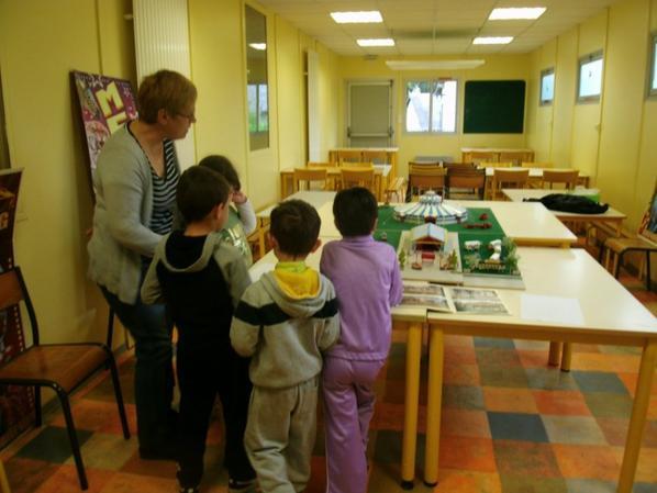 expo de roncalli au 1/87 a l école  de St Angel 19