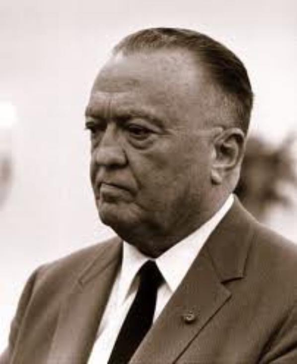 J.E. Hoover, un des plus grands transphobes de la planète. Et pourtant.......