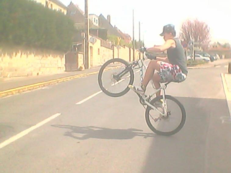 Quand il fait beau et que j'ai un vélo il me prend souvent de faire sa !