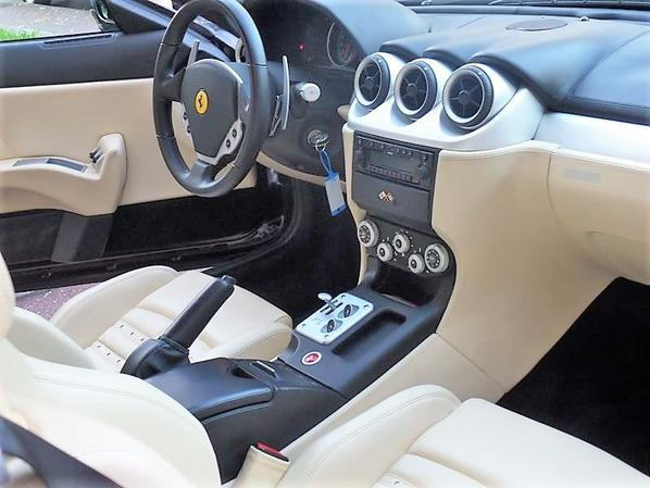 ma nouvelle voiture Ferrari 612 Scaglietti V12 5.7