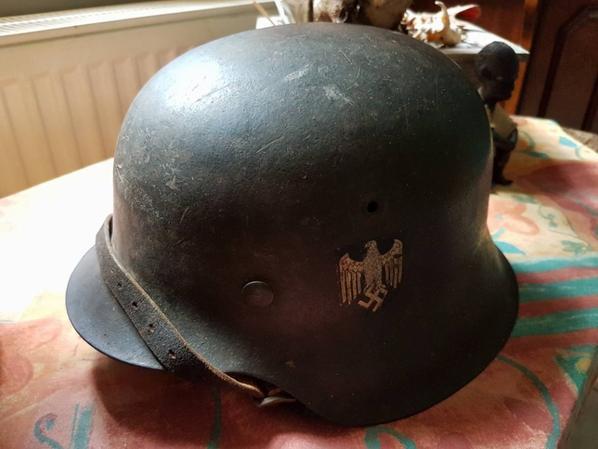 ma première acquisition !... casque allemand deuxième mondial !... j'adore :p