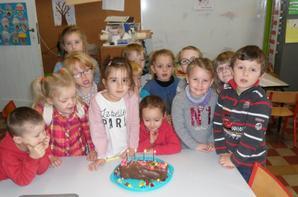 bon anniversaire Célia! 4 ans!