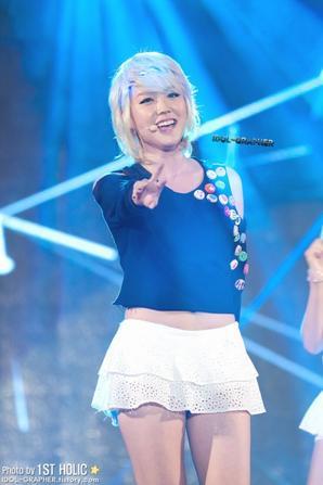 [25.08.12] Hello Venus @ MBC Standard FM Starry Night Public Broadcasting