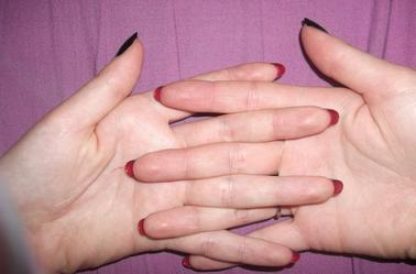 132ème Article : Talon aiguille BLACK & RED