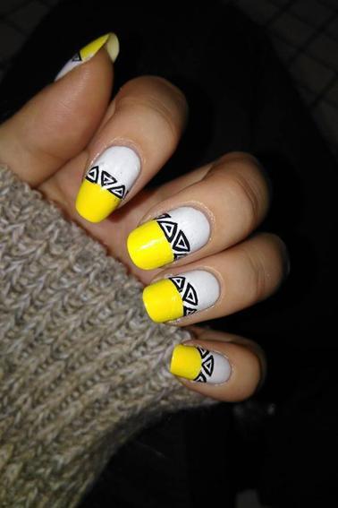 197ème Article : Triangles aztèque jaune&blanc
