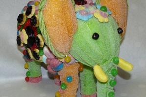 C'EST LA JUNGLE UN ELEPHANT EN BONBON