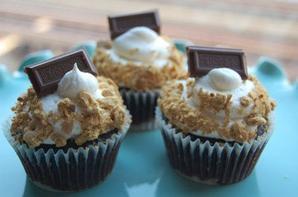 Cupcakes et tablettes de chocolat