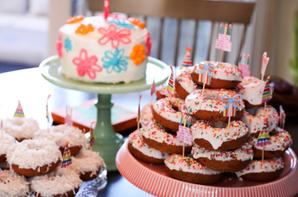 Cupcakes et présentoir de donuts !