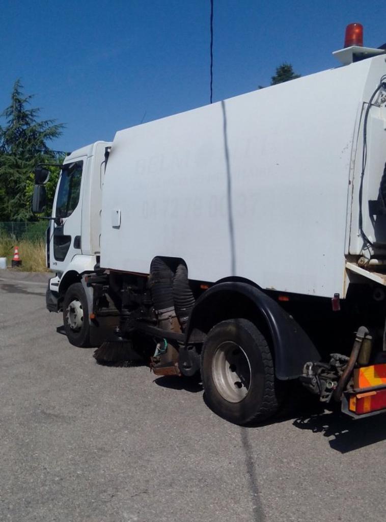 camion balayeur aspirateur