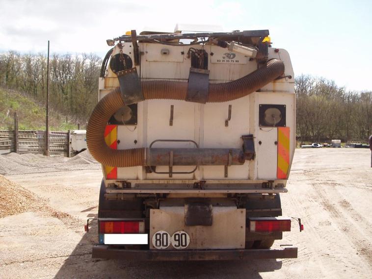 Balayeuse de voirie SCARAB 5000