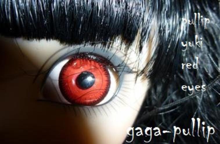 ma pullip yuki red eyes a sont arrivée <3 , enfin quelque heures apres sont arrives puisqu'elle na pas c chaussures sur les photos XD